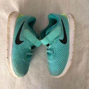 Nike toddler girls size 8c play condition